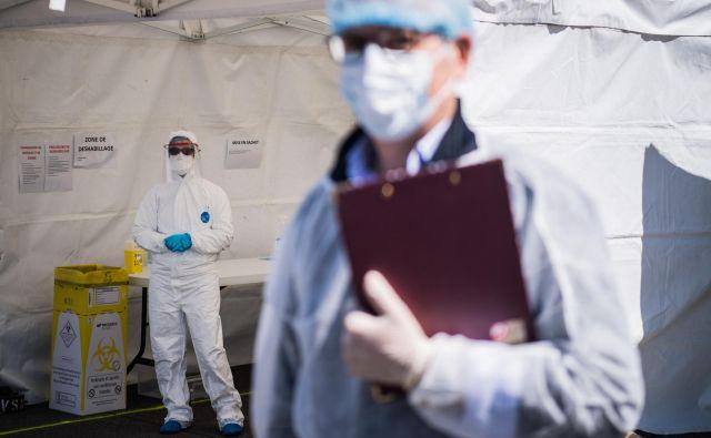 Tretji možni cilj odzivanja na epidemijo je, da epidemijo upočasnimo. Za to pot se je najverjetneje odločila Slovenija. FOTO:Loic Venance/AFP