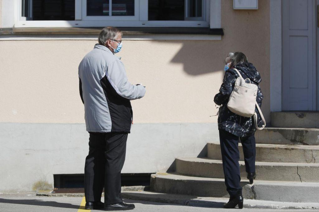 FOTO:Skupnost socialnih zavodov proti selitvi oskrbovancev iz domov starejših