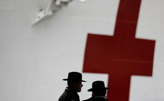 Maeve in Gideon Townsend sta šla veslat že v četrtek. FOTO: Andrew Kelly/Reuters