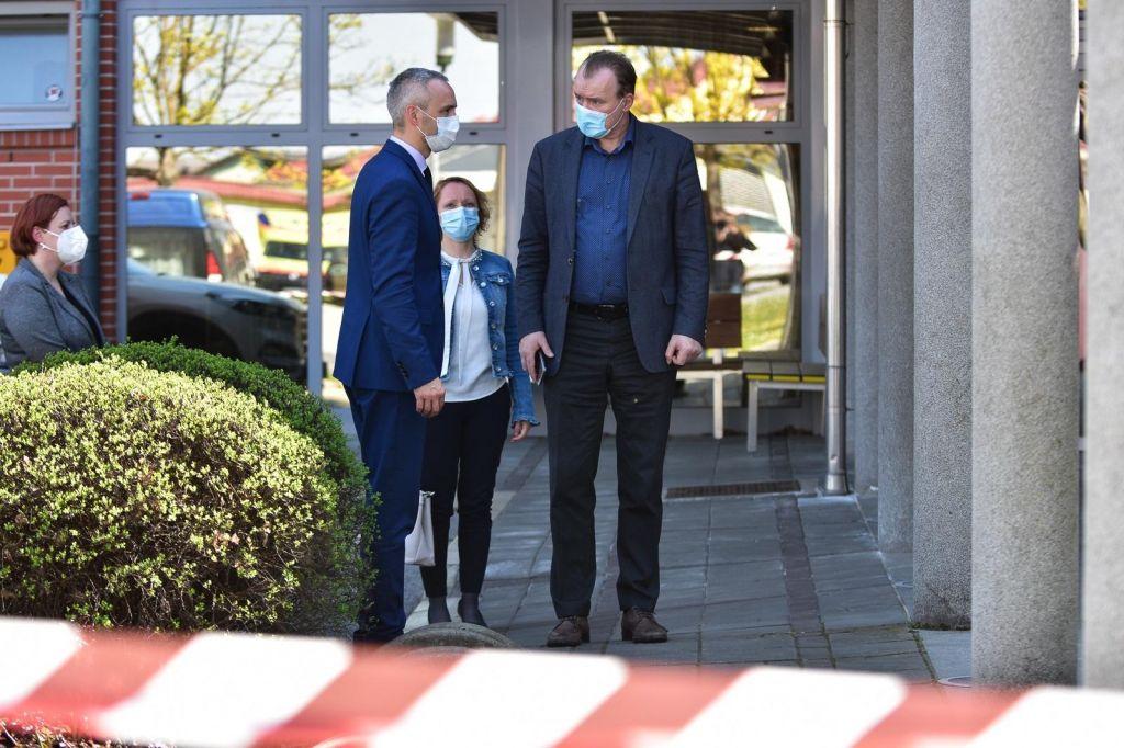 Minister si je privoščil malico iz ljutomerskega doma starejših
