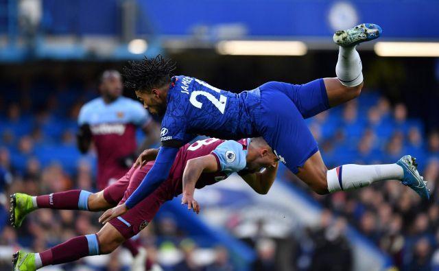 Spektakel, tekmovanje in posel, to je najmočnejše angleško nogometno prvenstvo, ki je tudi močan povezovalni del angleške kulture in zgodovine. FOTO: AFP