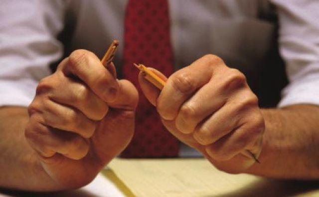 Med prvimi protikriznimi ukrepi, ki jih je sprejela vlada, je podaljšanje oddaje letnih poročil Ajpesu in oddaje davčnega obračuna.<br /> Foto Ablestock.com