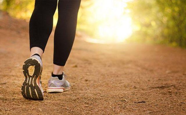 Obdržimo svojo naravno dolžino koraka, vendar se naučimo, kako uporabljati odriv od zadnje noge. FOTO: Shutterstock
