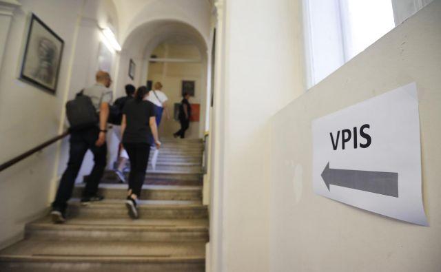Za vpis na fakulteto je po zakonu obvezna matura. FOTO: Leon Vidic/Delo