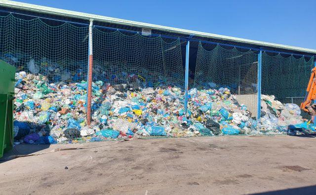 Zbrirni centri težko sprejemajo druge odpadke, če ne uredijo odvoza embalaže. FOTO: JKP Slovenske Konjice