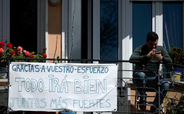 Skupno število okuženih je v Španiji včeraj preseglo 150.000. Tudi Španci se bodrijo, da bo vse še dobro. Foto: AFP