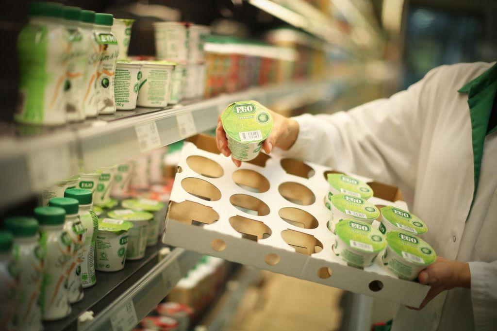 Trgovci obljubljajo več slovenskega mleka in mesa