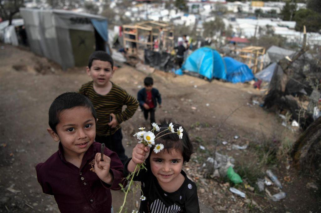 V sredo enajst begunskih otrok z Lezbosa v Luksemburg