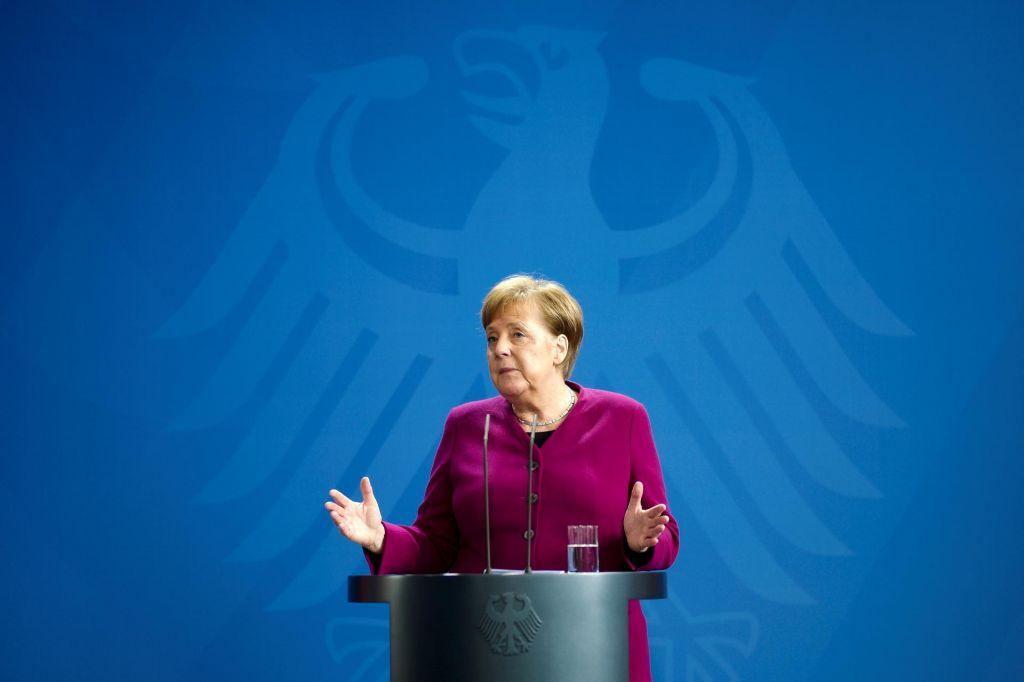 Nemčija do 40 milijonov mask mimo posrednikov
