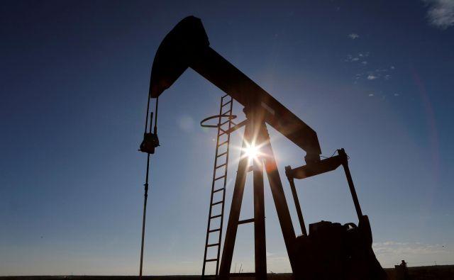 Kljub močnemu zmanjšanju črpanja, bo ponudbe nafte v trenutnih razmerah še vedno okoli šestino več od potreb. FOTO: Angus Mordant / Reuters
