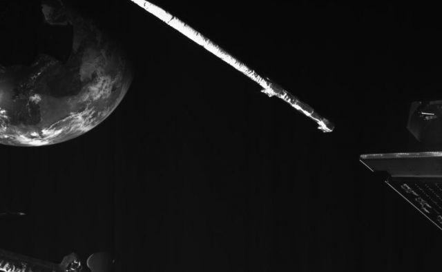 Sonda je imela prižgane kamere, ki so posnele naš planet. FOTO: ESA/BepiColombo/MTM