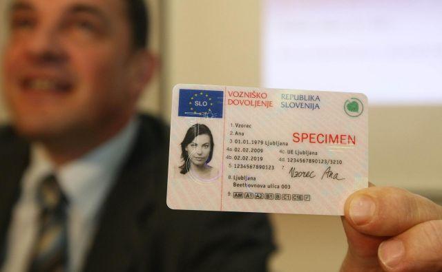 Prekrškarji, ki so jim začasno odvzeli vozniško dovoljenje, bodo spet prednostno obravnavani. Foto Lombar Tomi
