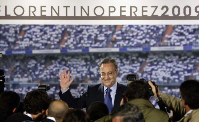 Oče »Los Galacticos« Florentino Perez je v prvem mandatu na čelu največjega nogometnega kluba Real Madrid zbral sanjsko moštvo, v drugem pa je zmagoval v ligi prvakov. FOTO: Reuters