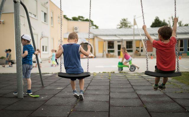 Na vprašanje, kako in kdaj bomo odpirali vrtce in šole, v Sloveniji še ni odgovora. Foto Uroš Hočevar