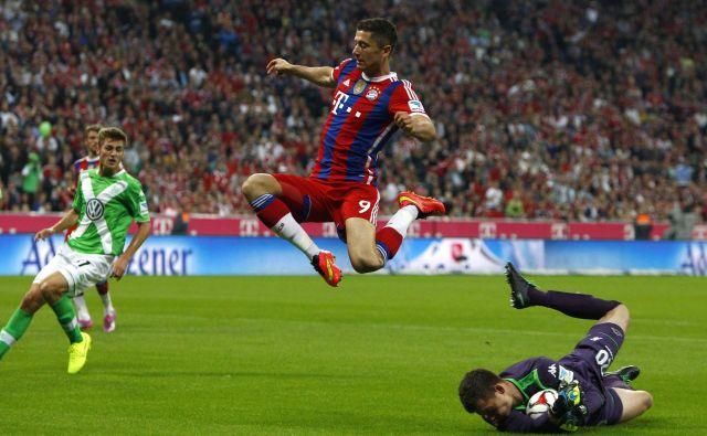 V Münchnu je na Bayernovih tekmah štadion redno razprodan, ni pa povsem zanesljivo, če bo v Allianz Areni prihodnje leto euro. FOTO: Reuters