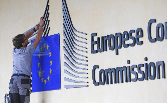 Tako neprimerna fiskalna politika kot neomogočanje perifernim državam, da bi pri zadolževanju izkoristile ekonomsko moč evroobmočja in članstvo v monetarni uniji povečuje nasprotovanje EU in vzpon protievropskih političnih strank, opozarja Dušan Mramor. Foto Reuters