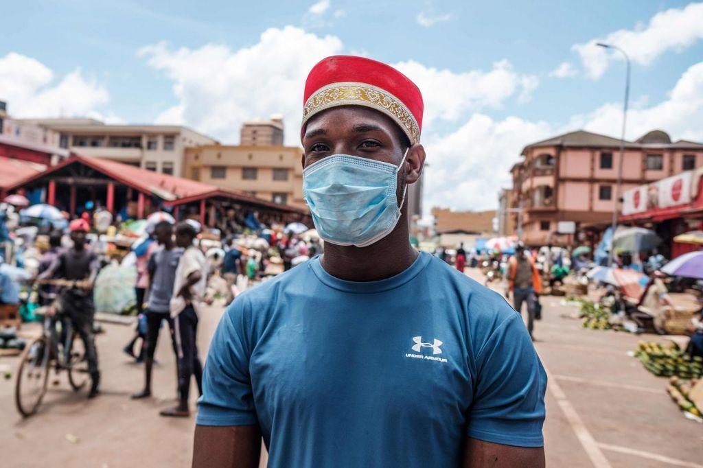 FOTO:Virus zgolj zakriva večne probleme