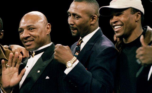 Marvin Hagler (levo), Thomas Hearns in Sugar Ray Leonard (desno) je trojica velike četverice mušketirjev, ki so zaznamovali osemdeseta leta v boksu. FOTO: Reuters