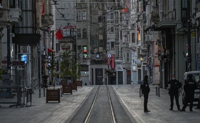 Karantena velja le v velikih mestih in le konec tedna. FOTO: AFP