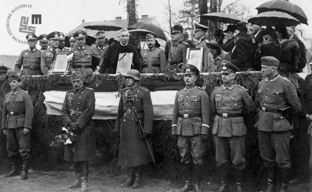 Slovesnost v Murski Soboti 16. aprila 1941, ko so nemške okupacijske oblasti Prekmurje predale Madžarski. FOTO: Hrani Muzej novejše zgodovine