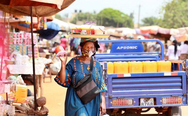 Novi koronavirus lahko ekonomsko uniči tudi Afriko. Foto AFP