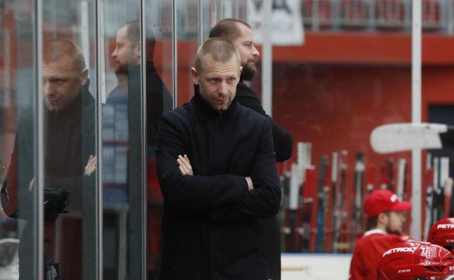 Mitja Šivic je do prekinitve uspešno vodil ekipo Jesenic. FOTO: Leon Vidic