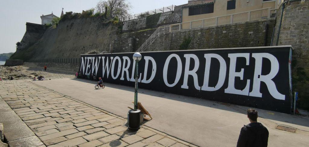 V Piranu so za nov svetovni red