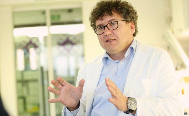 Dr. Miroslav Petrovec, član svetovalne skupine pri ministrstvu za zdravje. FOTO: Uroš Hočevar/Delo
