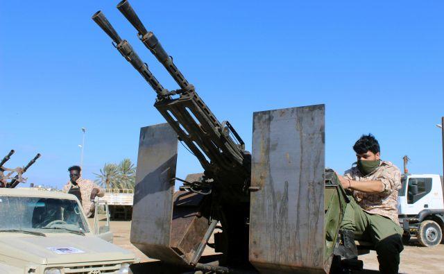 Pripadniki milice, zveste vladi narodne enotnosti. FOTO REUTERS
