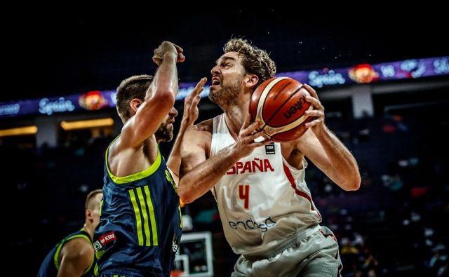Pau Gasol je v polfinalu evropskega prvenstva 2017 naletel na izjemno čvrsto oviro, Gašperja Vidmarja & Co. FOTO: FIBA