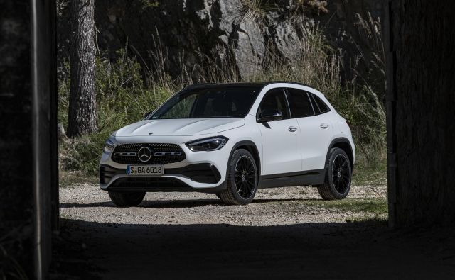 Mercedes-Benz GLA v drugi izdaji, še naprej je to vstopni SUV znamke z zvezdo.<br /> Foto Mercedes-Benz