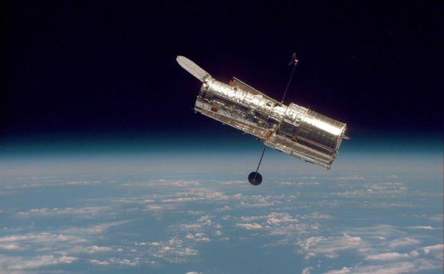 Hubblov teleskop je s praga vesolja v tridesetih letih posnel nepregledno število fotografij, ki so nam približale zvezde, galaksije in meglice ter za vstop v znanost navdušile novo generacijo astrofizikov. FOTO: NASA