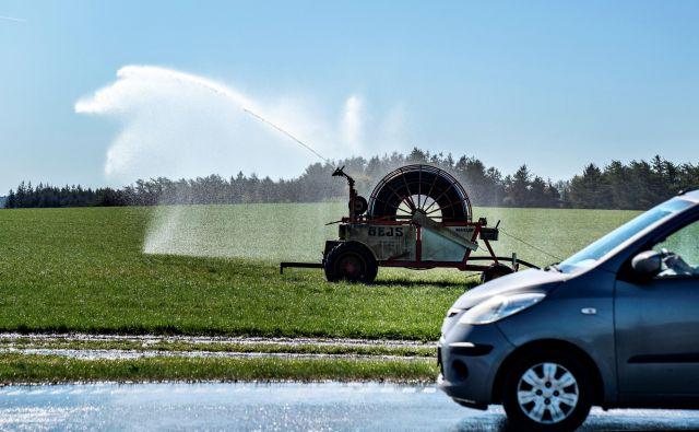 Evropa želi z zelenim dogovorom uveljaviti strožja pravila glede onesnaževanja z avtomobili, doseči zmanjšanje onesnaževanja v pristaniščih EU ter izboljšanje kakovosti zraka v bližini letališč. FOTO: Reuters