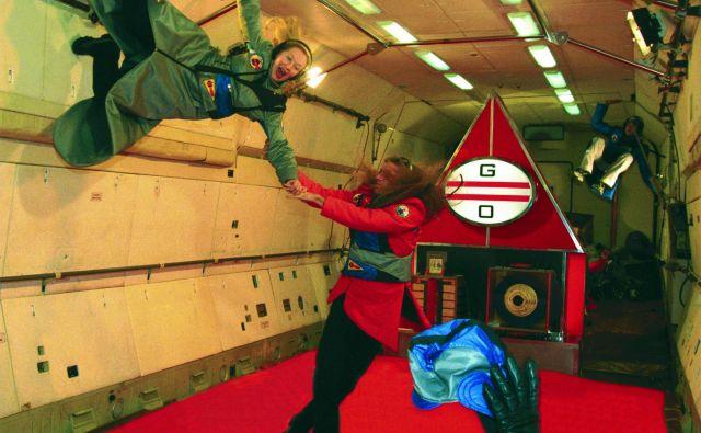 <em>Biomehanika Noordung</em>, 1999, Zvezdno mesto. Na fotografiji Iva Zupančič in Marko Mlačnik.