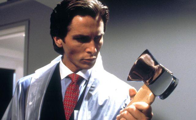 Pisatelj Bret Easton Ellis je večkrat poudaril, da si je krvoločnega Batemana zamislil kot poslovneža, ki je obseden z uspehom in osebnostjo Donalda Trumpa. FOTO:Promocijsko gradivo