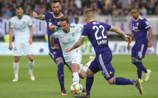Razumljivo je, da imata Olimpija in Maribor vsak svoje želje pred morebitnim nadaljevanjem sezone 2019/20 v 1. SNL. FOTO: Tadej Regent