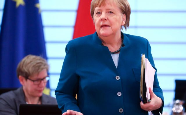 Kanclerka Angela Merkel je posvarila pred »orgijo razprav o rahljanju ukrepov«. Foto: AFP