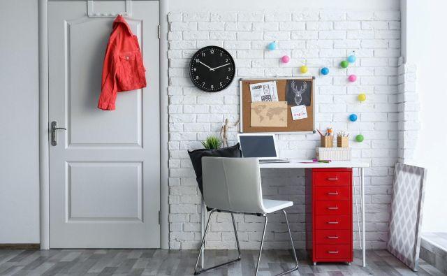 Kraljica organizacije doma Marie Kondo je pripravila nekaj nasvetov, kako urediti delovni kotiček doma. FOTO: Shutterstock