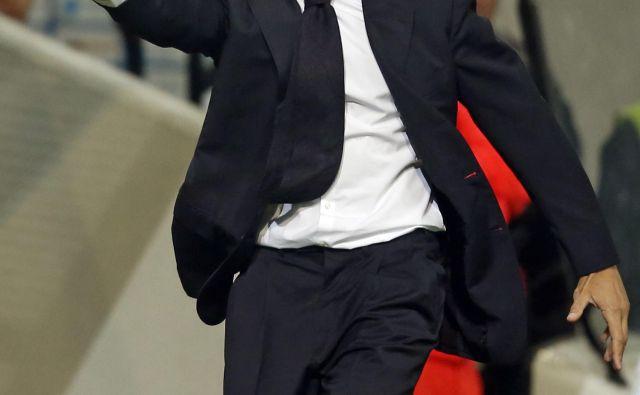 Rodolfo Vanoli je takole v slogu svojega italijanskega temperamenta z ljubljanske klopi vodil derbi Olimpije in Maribora. FOTO: Matej Družnik/Delo