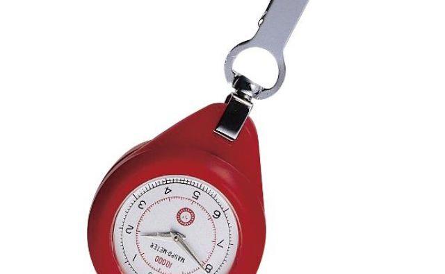 Pobrskala je po zgodovini in pokazalo se je, da je leta 1965 japonsko podjetje Yamasa Clock izdelalo števec korakov, pedometer za osebno uporabo, imenovan Manpo-kei. FOTO: Arhiv Polet