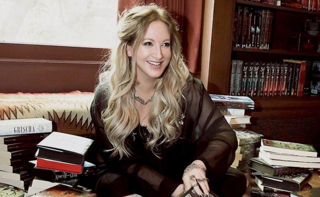Leigh Bardugo je velika zvezdnica fantazijskega pisanja. Foto Jen Castle