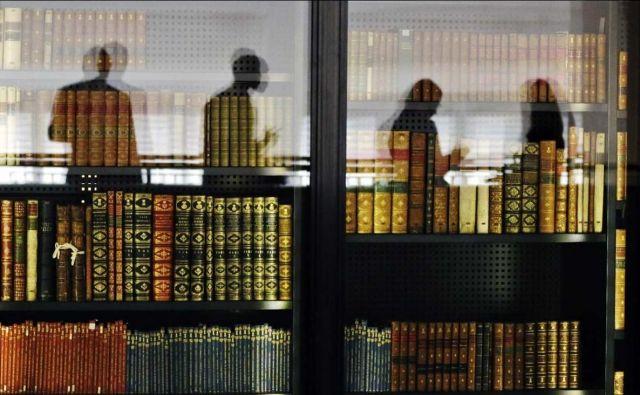Schlaffer potencialnega bralca izrecno spodbuja k branju, obenem pa ga med vrsticami opominja, naj bo pri izbiri selektiven in to se zdi ena pomembnih dodanih vrednosti te knjige. Foto Reuters