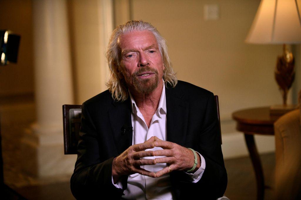 Richard Branson zdravi »poškodovana krila«