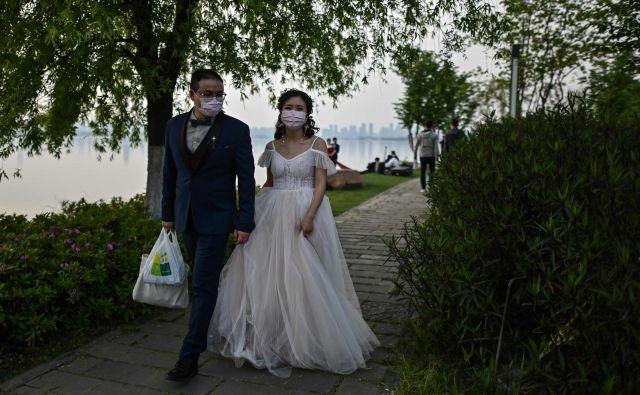 Poroke bodo od torka, ob spoštovanju varnostnih ukrepov, ponovno mogoče. FOTO: Hector Retamal/Afp