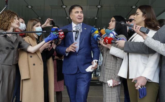 Mihail Saakašvili po pogovorih s poslanci stranke Sluge naroda v ukrajinskem parlamentu. FOTO: Reuters