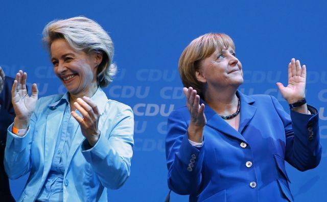 Predsednica evropske komisije Ursula von der Leyen in kanclerka Angela Merkel. Foto Reuters
