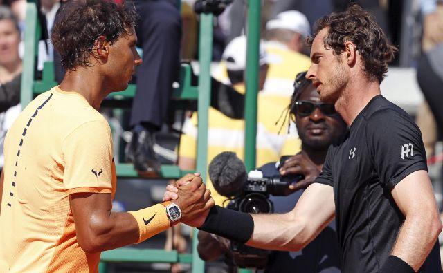 Rafael Nadal in Andy Murray se že dolgo nista pomerila na teniške igrišču, zdaj bosta preizkusila teniško znanje v virtualnem spopadu. FOTO: Reuters