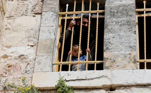 Na celotnem Zahodnem bregu živi okoli 2,7, milijona Palestincev in okoli 400.000 judovskih priseljencev.Foto: Mussa Qawasma/Reuters