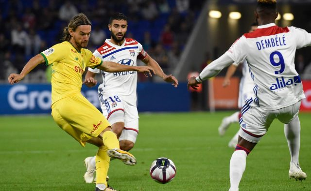 Nogometno sezono v Franciji bo moral predčasno končati tudi Rene Krhin (levo). FOTO: AFP