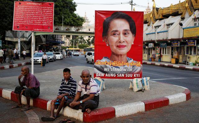 Burmanska voditeljica Aung San Su Či je pogosto kritizirana zaradi krišitev človekovih pravic v zvezni državi Rakhine. FOTO: Ann Wang/Reuters